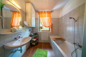 Ferienwohnungen Fischerhaus - direkt am See, Apartmanok  Millstatt - big - 118