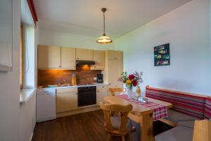 Ferienwohnungen Fischerhaus - direkt am See, Apartmanok  Millstatt - big - 103