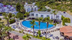 Costa 3S Beach Club - All Inclusive, Szállodák  Bitez - big - 1