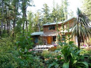 Clayoquot Cedar House, Dovolenkové domy  Tofino - big - 1