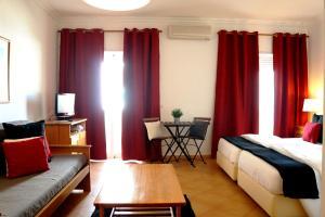 Oasis Beach Apartments, Aparthotels  Luz - big - 2