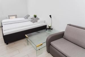 Light Rooms Apartment, Apartments  Kraków - big - 26