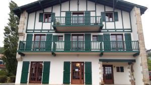 Hotel Mendionde