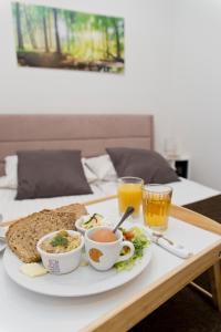 Light Rooms Apartment, Apartments  Kraków - big - 40