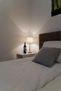 Light Rooms Apartment, Apartments  Kraków - big - 44