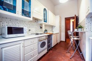 Rustic Apartment Via Venezia, Apartmány  Řím - big - 32