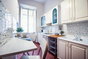 Rustic Apartment Via Venezia, Apartmány  Řím - big - 31