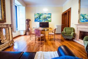 Rustic Apartment Via Venezia, Apartmány  Řím - big - 28