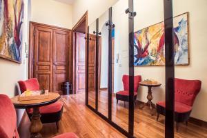 Rustic Apartment Via Venezia, Apartmány  Řím - big - 26