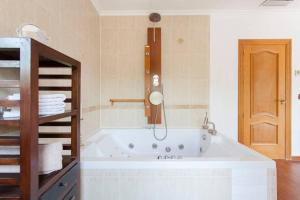 Just Relaxed Holidays in Spain, Guest houses  La Marina - big - 4