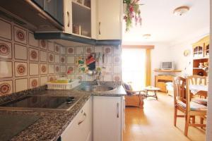 Apartamento Voramar, Apartmanok  Calpe - big - 10