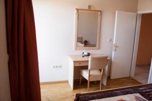 Apartments Mirage, Apartments  Novalja - big - 12