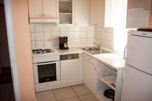 Apartments Mirage, Apartments  Novalja - big - 29
