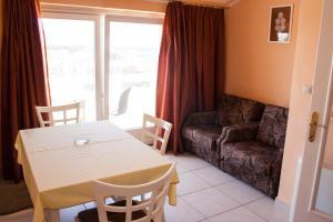 Apartments Mirage, Apartments  Novalja - big - 39