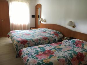 Hotel Garni Enrosadira, Hotely  Vigo di Fassa - big - 34