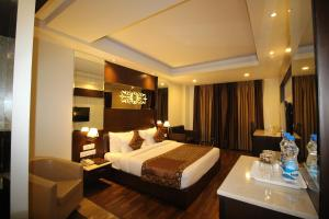 Hotel Golden Grand, Hotely  Dillí - big - 33