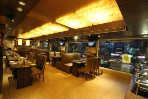 Hotel Golden Grand, Hotels  New Delhi - big - 57