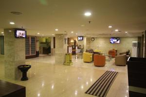 Hotel Golden Grand, Hotely  Dillí - big - 71