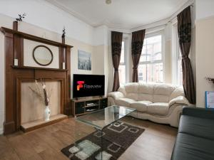 Chorlton Short Term South Manchester Townhouse