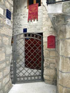 Villa Kudelik - Stone Story, Bed and breakfasts  Trogir - big - 87