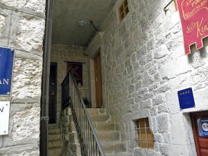 Villa Kudelik - Stone Story, Bed and breakfasts  Trogir - big - 88