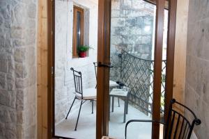 Villa Kudelik - Stone Story, Bed and breakfasts  Trogir - big - 100
