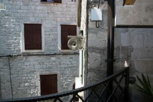 Villa Kudelik - Stone Story, Bed and breakfasts  Trogir - big - 105