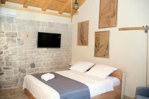 Villa Kudelik - Stone Story, Bed and breakfasts  Trogir - big - 106
