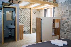 Villa Kudelik - Stone Story, Bed and breakfasts  Trogir - big - 108