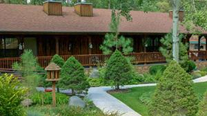 Lodge Room 101