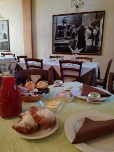 Affittacamere Al Cantoun, Penziony  Chiomonte - big - 6