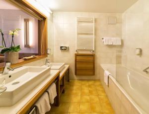 Falkensteiner Family Hotel Lido Ehrenburgerhof, Hotels  Chienes - big - 23