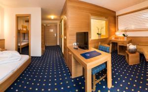 Falkensteiner Family Hotel Lido Ehrenburgerhof, Hotels  Chienes - big - 25