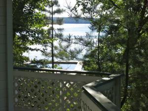 Birch Cliff Lodge on Baptiste Lake