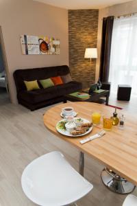 Light Rooms Apartment, Apartments  Kraków - big - 76
