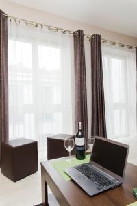 Light Rooms Apartment, Apartments  Kraków - big - 86