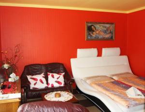 Villa Anastazis - Penzion Eden, Guest houses  Karlovy Vary - big - 111
