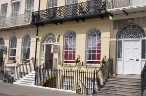 The Edenhurst Guesthouse, Bed & Breakfast  Weymouth - big - 71