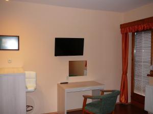 Ciklámen apartman, Appartamenti  Gyenesdiás - big - 13