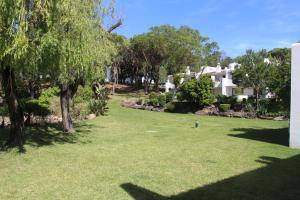 By the Beach, Apartments  Almancil - big - 14