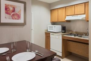 Homewood Suites by Hilton Orlando-UCF Area, Hotely  Orlando - big - 6