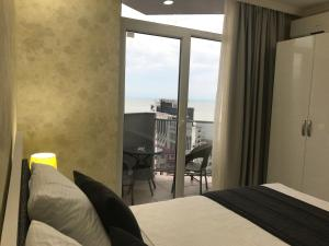 Holiday Comfort Apartment, Apartments  Batumi - big - 7