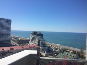 Holiday Comfort Apartment, Apartments  Batumi - big - 18