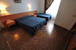 Hotel Miramare, Отели  Ладисполи - big - 1