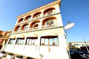 Hotel Miramare, Отели  Ладисполи - big - 29