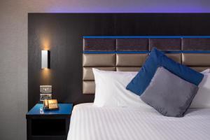 Roomzzz Nottingham City (7 of 10)