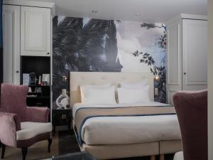 Superior Taylor Room