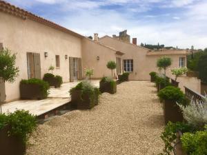 Maison Amouroux, Villák  Châteauneuf-du-Pape - big - 11