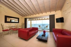 9 Muses Sea View Studios