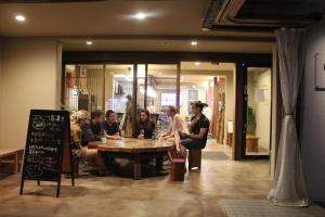 Hostel & Cafe Backpackers Miyajima, Hostels  Miyajima - big - 7